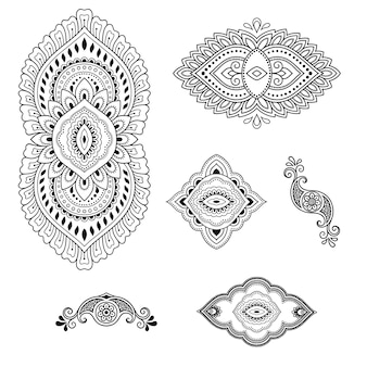 Set di motivo floreale mehndi e mandala per disegno e tatuaggio all'henné.