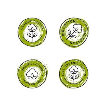Set di etichette e distintivi per fodera in cotone organico naturale - vettore rotondo verde icona, adesivo, logo, timbro, etichetta fiore di cotone isolato su sfondo bianco - tessuto naturale logo piante timbro tessuti organici