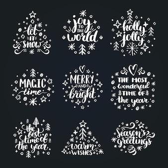 Set di scritte a mano di capodanno su sfondo nero. illustrazioni di disegno a gesso di natale.