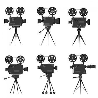 Insieme di vecchi proiettori cinematografici su un treppiede. schizzo disegnato a mano di proiettori di un vecchio cinema in bianco e nero, isolato