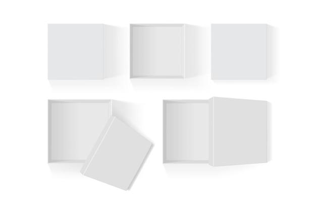 Set di scatole di carta bianca aperte isolato su sfondo bianco