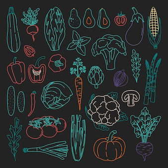 Set di contorno di verdure in stile doodle. pacchetto di cibo vegetariano fresco disegnato a mano, con contorno colorato.