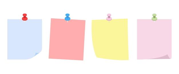 Set di carta appuntata sul muro isolato su bianco