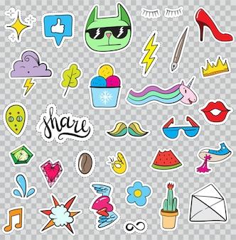 Set di elementi di patch come fiore, cuore, corona, nuvola, labbra, posta, diamante, occhi. vettore disegnato a mano. collezione di adesivi alla moda carino. distintivi e spille di schizzo di arte di schiocco di doodle.