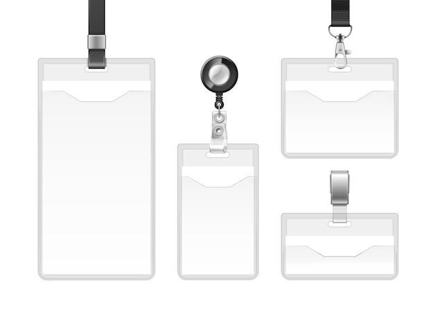 Set di badge in plastica sigillati in busta su cordini