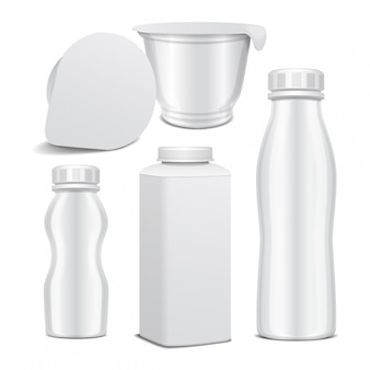 Set di bottiglia di plastica e vaso rotondo in plastica bianca lucida per prodotti lattiero-caseari. per il latte, bere yogurt, panna, dessert. modello realistico