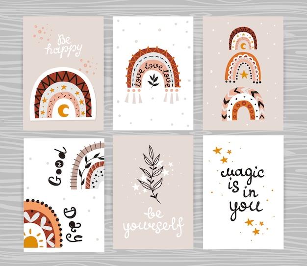 Set di poster con arcobaleni boho ed e iscrizioni.