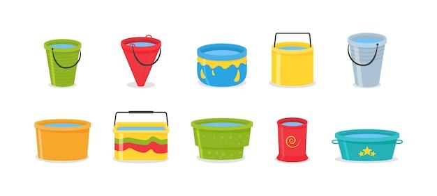 Insieme dei secchi di plastica vuoti colorati 3d realistici con la maniglia. il secchio è vuoto e pieno d'acqua. secchi d'acqua isolati su sfondo.