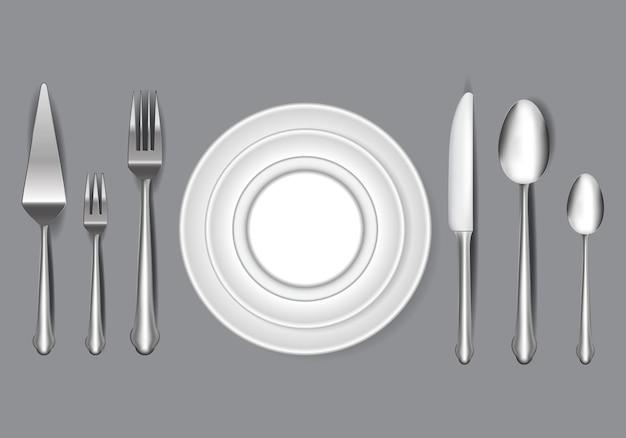 Set di coltello realistico forchetta e cucchiaio nel concetto di cena a tavola o mangiare concetto di etichetta e