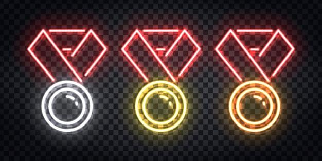 Set di segno al neon realistico del logo della medaglia d'oro, d'argento e di rame per la decorazione del modello e la copertura del layout sullo sfondo trasparente. concetto di vincitore.