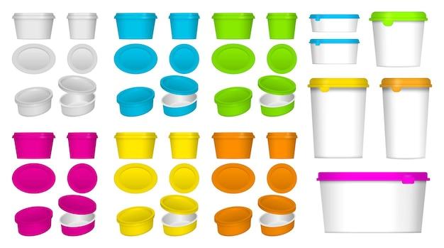Set di imballaggi realistici in contenitori di plastica o mockup di contenitori per alimenti in plastica o spazi vuoti realistici
