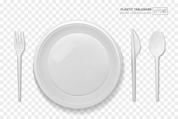 Set di piatti di plastica realistici su uno sfondo trasparente
