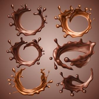 Set di schizzi realistici e gocce di cioccolato fondente e al latte fuso. il cerchio dinamico spruzza di cioccolato liquido di vortice, caffè caldo, cacao. elementi di design per il confezionamento. illustrazione 3d.