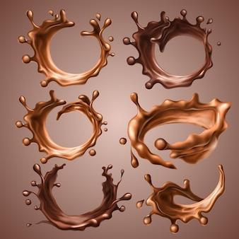 Set di schizzi e gocce realistici di latte fuso e cioccolato fondente