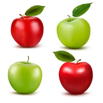 Set di frutta mela rossa e verde con foglie tagliate e verdi.