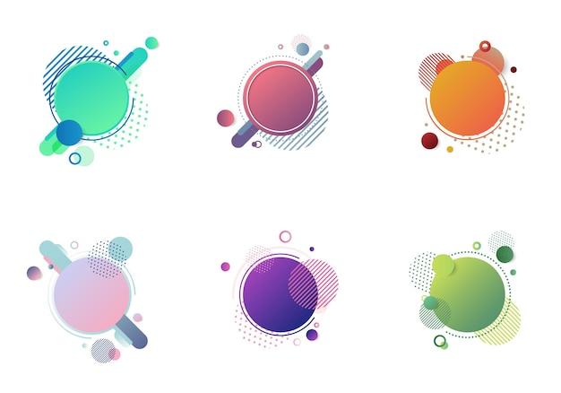 Set di badge rotondi multicolori con elementi geometrici isolati