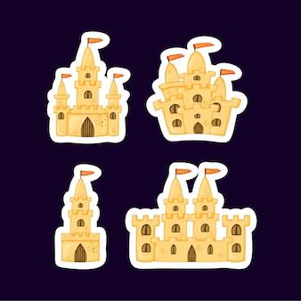 Set di castelli di sabbia di diverse forme. collezione di cartoni animati estivi
