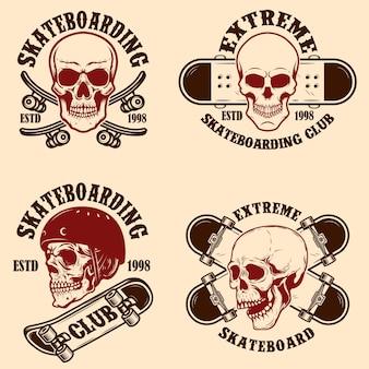 Set di emblemi del club di skateboard con teschi. elemento di design per poster, logo, insegna, etichetta, t-shirt.