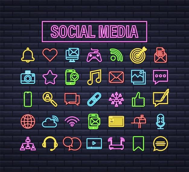 Imposta l'icona al neon dei social media. icona del telefono. comunicazione digitale. bolla di chat. illustrazione di riserva di vettore.