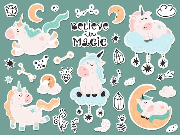 Set di adesivi con simpatici unicorni