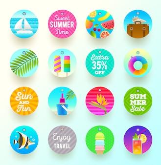 Set di etichette e tag di vacanze estive e viaggi. illustrazione.
