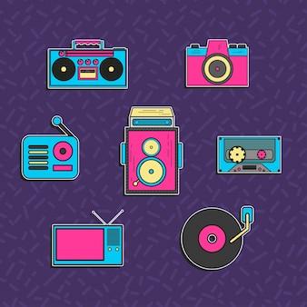 Set di tecnologia con stile anni '90