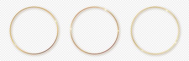 Set di tre cornici d'oro cerchio incandescente con ombra isolato su sfondo trasparente. cornice lucida con effetti luminosi. illustrazione vettoriale.