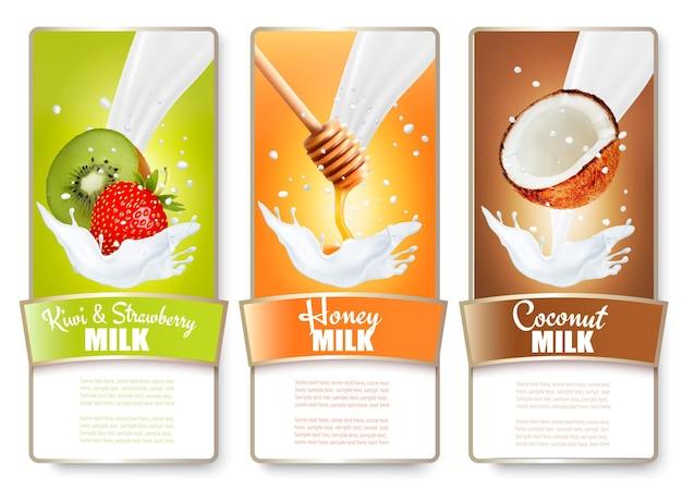 Set di tre etichette di frutta e bacche in schizzi di latte. kiwi, fragola, miele, cocco.