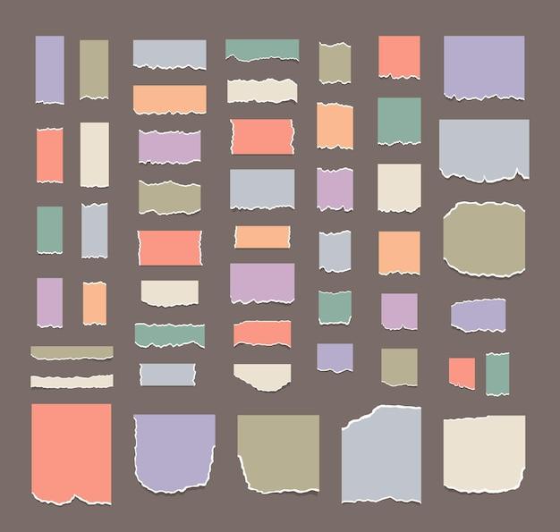 Una serie di fogli di carta multicolori strappati foglio commemorativo o pezzo di quaderno note