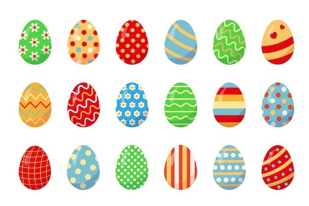 Set di tradizionali uova di pasqua di colore su sfondo bianco.