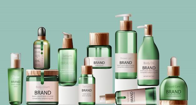 Insieme di varie bottiglie verdi di assistenza sanitaria e spa. olio per il corpo, lozione, siero, gel doccia e profumo