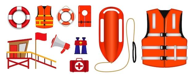 Set di vari salvagenti isolati o attrezzature di salvataggio per bagnini
