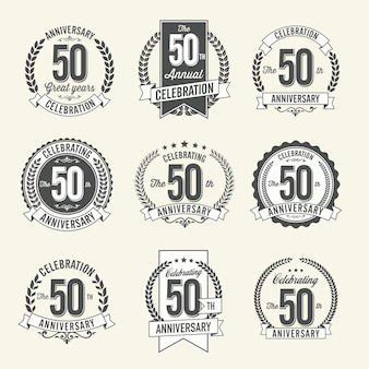Set di badge anniversario vintage th celebrazione anno. bianco e nero.