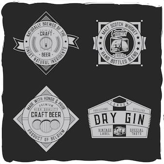 Una serie di disegni di etichette vintage con composizioni di lettere su sfondo scuro. disegno della maglietta.