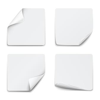 Set di adesivi di carta bianca quadrata su bianco