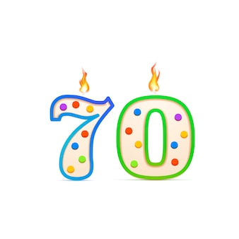 Anniversario dei settant'anni, candela di compleanno a forma di numero 70 con fuoco su bianco
