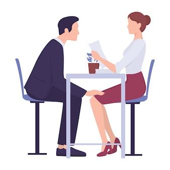 Molestie sessuali sul posto di lavoro. comportamento di aggressione e abuso. capo maschio o collega che brancola impiegato femminile al lavoro. uomo che tocca la donna in modo inappropriato.