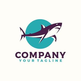 Logo arrabbiato dello squalo