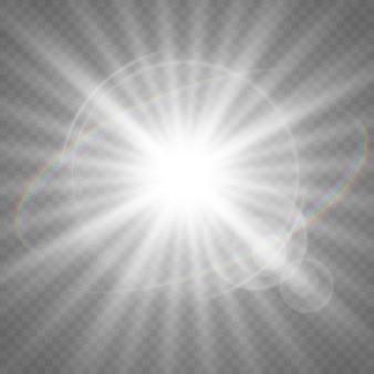 Stelle brillanti isolate su uno sfondo bianco trasparente. effetti, abbagliamento, splendore, esplosione, luce bianca, ambientazione. lo splendore delle stelle, il bellissimo bagliore del sole.