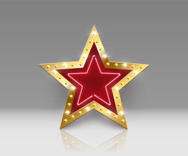 Segno zodiacale dorato brillante con lampadine e neon con riflesso a specchio su sfondo grigio
