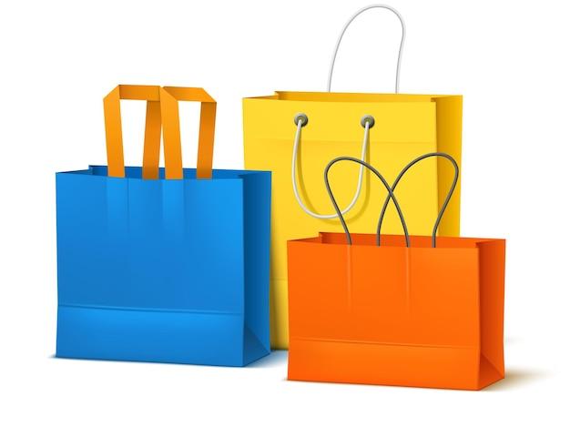 Gruppo di borse della spesa. gruppo di confezioni di carta colorata realistica, mockup vuoto, oggetti di cartone isolati, elementi di design del negozio, concetto vettoriale