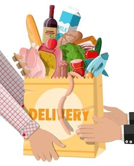 Sacchetto di carta della spesa con prodotti freschi in mano. concetto di consegna. negozio di alimentari, supermercato. cibo e bevande. latte, verdure, carne, insalata, uovo bistecca ai cereali. stile piatto di illustrazione vettoriale