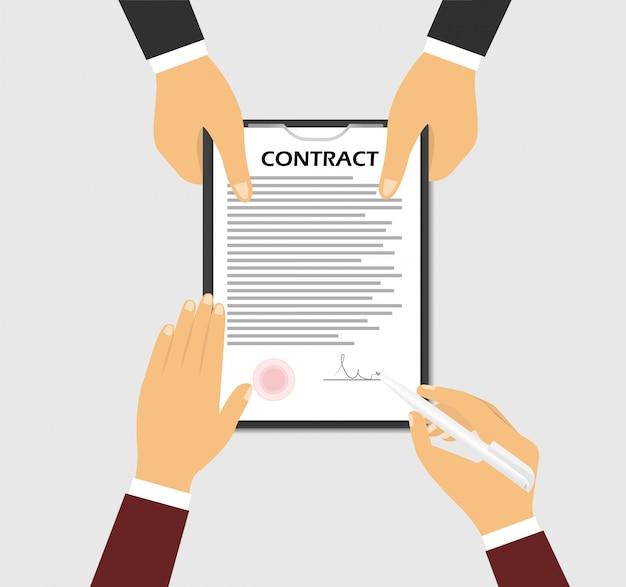 Firmare un contratto. concetto di una mano che tiene un contratto