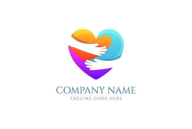 Semplice e minimalista mano abbraccio amore cuore cura logo design vector