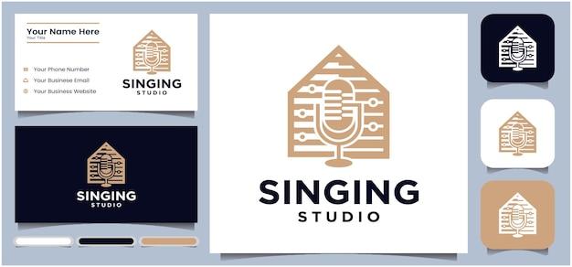Design del logo dello studio di canto design del logo della chat del microfono del podcast logo della radio con microfono