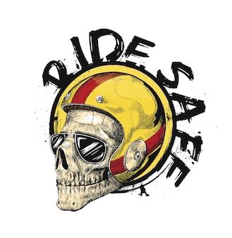 Schizzo di un motociclista hipster che indossa un casco per un'illustrazione vettoriale di guida sicura