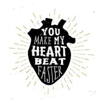 Schizzo di cuore umano con citazione d'amore all'interno