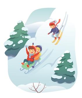 Illustrazione di sci e slittino, paesaggio di colline innevate, bambini su slitta e personaggi dei cartoni animati di sci che scendono dalla montagna, bambini divertenti e felici. riposo attivo, concetto di svago invernale