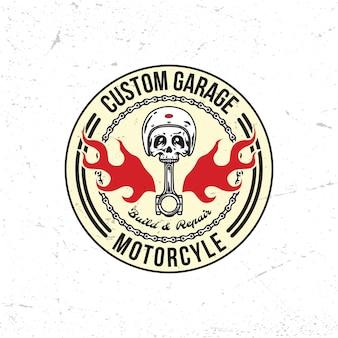 Distintivo del logo del motociclo vintage del garage del casco del teschio