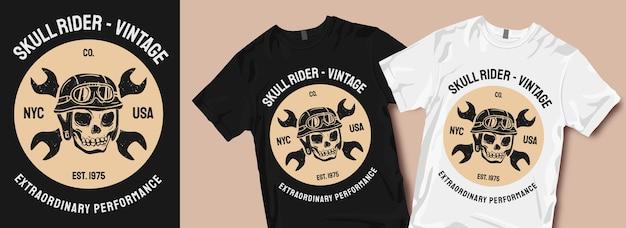 Disegni della maglietta grafica del motociclo dell'annata del pilota del cranio